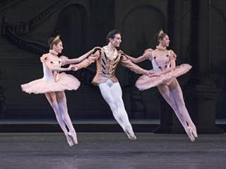 Yasmine Naghdi, Tristan Dyer and Beatriz Stix-Brunell as Florestan and His Sisters in The Sleeping Beauty, The Royal Ballet ©ROH/Tristram Kenton, 2014