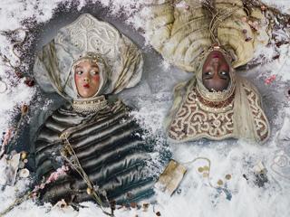 Two dancers lying in the snow ©Uldus Bakhtiozina