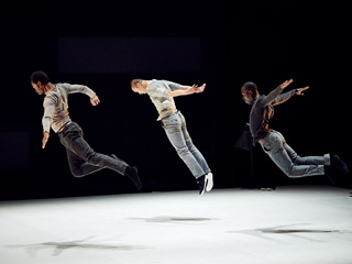 Three dancers ©Valérie Frossard