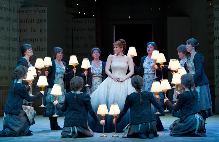 Alice Coote as Le Prince Charmant and Joyce DiDonato as Cendrillon in Cendrillon  © ROH/Bill Cooper, 2011