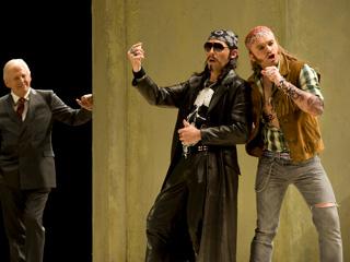 Thomas Allen as Don Alfonso, Stéphane Degout as Guglielmo and Pavol Breslik as Ferrando in Così fan tutte ©ROH/Mike Hoban, 2010
