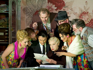 Rebecca Evans as Nella, Alan Oke as Gherardo, Francesco Demuro as Rinuccio, Robert Poulton as Marco, Elena Zilio as Zita, Gwynne Howell as Simone, Marie McLaughlin as La Ciesca and Jeremy White as Betto Di Signa in Gianni Schicchi ? ROH/Bill Cooper, 2011