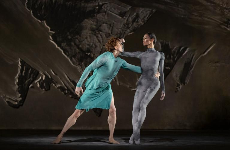 Edward Watson and Fumi Kaneko in The Dante Project, The Royal Ballet ©2021 ROH. Photograph by Andrej Uspenski